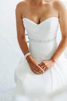 Modern elegance | Photography: A Brit & A Blonde - abritandablonde.com  Read More: http://www.stylemepretty.com/canada-weddings/2015/04/23/modern-whimsical-wedding-at-airship37/
