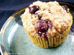 Connoisseurus Veg: Blueberry Lemon Quinoa Spelt Muffins - might try these with something other than vegan yogurt...