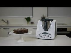 Quirky Cooking Flourless Chocolate and Coconut Cake - Thermomix ® Recipe Healthy Dessert Recipes, Healthy Treats, Desserts, Healthy Eating, Decadent Chocolate Cake, Flourless Chocolate, Quirky Cooking, Something Sweet, Cravings