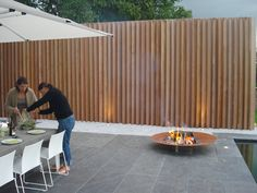 """""""Special Projects"""" Outdoor Wood Concepts (geen standaard p… Backyard Fences, Backyard Landscaping, Garden Privacy Screen, Wood Architecture, Modern Garden Design, Outdoor Furniture Sets, Outdoor Decor, Fence Design, Outdoor Gardens"""