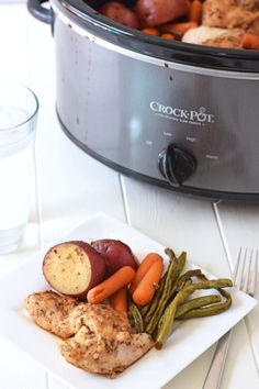 Slow Cooker Honey Garlic Chicken and Vegetables - The whole family will love this easy, healthy dinner!