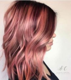 Beautiful Rose Gold Hair Color Ideas 11