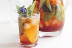 Christmas Pomegranate Pimms Recipe OMG ANOTHER WAY TO HAVE PIMMS!! YAY!!! Lindsay Fraser...christmas drinks?? ;)