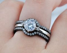 Luxusný rozoberateľný prsteň zo zliatiny tmavého zlata s diamantom Gold Engagement Rings, Engagement Ring Settings, Wedding Rings, White Gold Rings, Black Gold, Bridal Ring Sets, Heart Ring, Crystals, Diamond