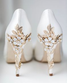 wedding shoes platform Happy Friday our real bride Sarah had a bespoke pair of Joanie Platform with the Blossom Gold embellishments shoe perfection, thank you truegracephoto amp; Sarah for letting us share the image Fancy Shoes, Pretty Shoes, Beautiful Shoes, Me Too Shoes, Bride Shoes, Prom Shoes, Gold Wedding Shoes, Bridal Heels, Embellished Shoes