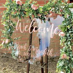 Acrylics is a huge wedding trend for 2018, according to Etsy. No, we're not talking serious talons, we're talking clear acrylic signs, menus, invitations, pretty much anything you want! This fun and quirky style is a refreshing step away from chalkboards and pin boards and gives rustic wedding style a seriously glam makeover. #acrylics #acrylicboard #acrylicmenu #acylicinvitations #chalkboard #pinboard #rustic #rusticwedding #boho #glamour #bride #wedding #etsy #weddingtrends #trend…