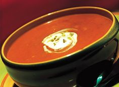 How to Make Tomato and Sweet Corns Soup explained in an easily understandable step by step guide with all the necessary information. Cream Of Tomato Soup, Creamy Tomato Basil Soup, Roasted Tomato Soup, Sopa Detox, Corn Soup Recipes, Sweet Corn Soup, Recetas Light, Baked Ham, Xmas Food