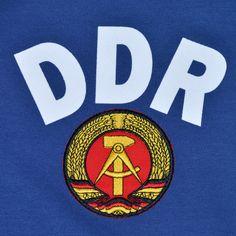 0011112_east-germany-ddr-1974-world-cup-retro-football-shirt.jpeg 1.000×1.000 pixels