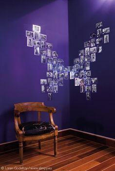 Papillon en angle de mur composé de 8 modules Coeur miroirs (64 photos 10x15).