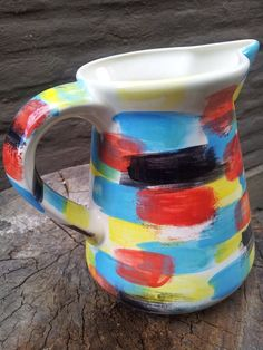 Artículos especiales para tu hogar. Jarra en cerámica con diseño colorido. Special items for your home. Ceramic jar with colorful design.
