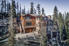 Check out this amazing Luxury Retreats property in Colorado - Telluride, with 6 Bedrooms. Browse more photos and read the latest reviews now.