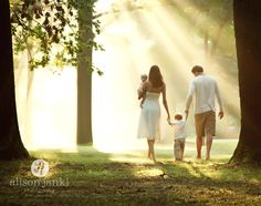 Lovely photo of this family, gorgeous lighting. Family Picture Ideas: 11 Tips for Posing