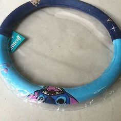 Lilo & Stitch Car Accessories Steering Wheel Covers cm) - Cars World Lelo And Stitch, Lilo Y Stitch, Cute Stitch, Stitch Cartoon, Disney Stitch, Disney Car Accessories, Disney Cars, Disney Stuff, Bff