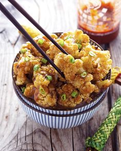 Spicy Honey-Garlic Roasted Cauliflower is now up on the blog (link in the profile!) #food #foodpic #foodporn #foodstagram #instagood #instafood #instarecipe #instayum #instahealthy #paleo #paleofood #paleolifestyle #primal #primalfood #vegetarian #easy #quick #healthylifestile #healthyeating #cleaneating #cleaneat #eatclean #TheIronYou #glutenfree #yum #dinner #lunch #vegetarian #grainfree