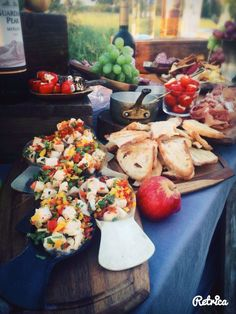 Ceviche for Pre-dinner Appero at the Sundowners accompanied by your favorite aperitif! Safari Food, Delicious Desserts, Yummy Food, Ceviche, Main Meals, Camps, Dinner, Fun Ideas, Breakfast