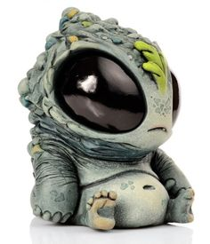 Cute critters and monsters. Artwork and sculpture by Chris Ryniak… Clay Monsters, Little Monsters, Toy Art, Cute Creatures, Fantasy Creatures, Creepy Cute, Vinyl Toys, Designer Toys, Creature Design