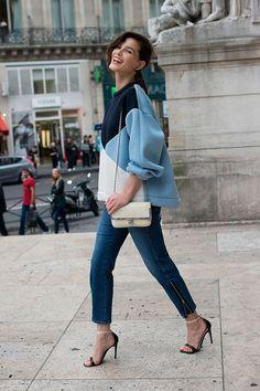 nice 50 Идей, с чем носить модные женские свитшоты 2017 (фото) Читай больше http://avrorra.com/s-chem-nosit-modnye-svitshoty-zhenskie-foto/