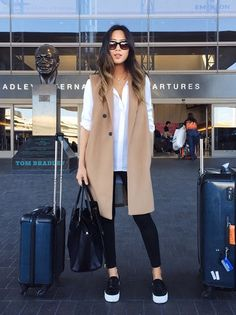 Airport outfit // Song of Style Song Of Style Instagram, Instagram Outfits, Instagram Fashion, Mode Outfits, Winter Outfits, Casual Outfits, Fashion Outfits, Travel Outfits, Travelling Outfits