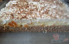 The title is exact. A wonderful custard-quark cream with tangerines on a breezy Nussig, and whipped cream with grated chocolate on top. The post Wonderful mandarin cake & STEP BY STEP appeared first on Food Monster. Caramel Recipes, Donut Recipes, Baking Recipes, Cake Recipes, Pudding Desserts, Apple Desserts, Coffee Deserts, Mandarin Cake, Best Food Ever