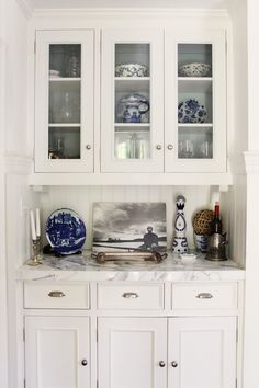 little butlers pantry Kitchen Butlers Pantry, Butler Pantry, Kitchen Cupboards, Kitchen Design, Kitchen Decor, Kitchen Ideas, Kitchen Vignettes, Kitchen Display, Kitchen Nook