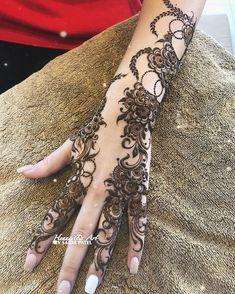 Modern Henna Designs, Stylish Mehndi Designs, Henna Art Designs, Dulhan Mehndi Designs, Latest Mehndi Designs, Mehndi Designs For Hands, Bridal Mehndi Designs, Henna Mehndi, Mehndi Desighn