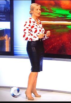 Just Jack ! (@Ouchmyfootjack) | Twitter Hottest Weather Girls, Bbc Presenters, Carol Kirkwood, Princess Diana Rare, Pencil Skirt Outfits, Stunning Girls, Skirts With Boots, Sexy Blouse, Vogue