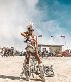 Best Outfits of Burning Man 2019 - Fashion Inspiration and Discovery Source by carnavalbz idea for men Burning Man Outfits, Burning Man Girls, Burning Man Fashion, Burning Man Style, Burning Man Costumes, Festival Mode, Festival Gear, Music Festival Outfits, Festival Fashion