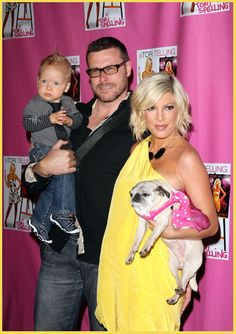 Tori Spelling & family - including Mimi her pug