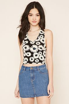 Forever 21 is the authority on fashion & the go-to retailer for the latest trends, styles & the hottest deals. Shop dresses, tops, tees, leggings & more! Woman Hair, Hot Actresses, F21, Beautiful Models, Denim Skirt, Cool Girl, Ideias Fashion, Latest Trends, Floral Prints