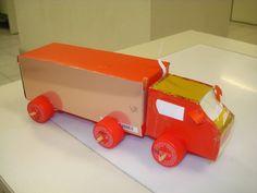 6 sugestões de brinquedos feitos com sucata ou material reciclado! - ESPAÇO…