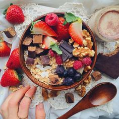 Before it drowned in cinnamon almond milk I need to have this again and… Food 101, Cinnamon Almonds, Sweet Breakfast, Breakfast Bowls, Tasty, Yummy Food, Food Goals, Food Is Fuel, Healthy Treats
