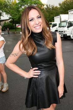 Marie-mai Spectacle, Biscuit, Leather Skirt, Hairstyle, Celebs, Stars, Inspiration, Fashion, Artists
