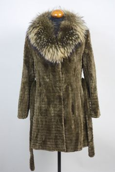 7680b4a37b3 Absolutely stunning Luxury gift Sheared Red Beaver Fur Coat with racoon  collar  knee length