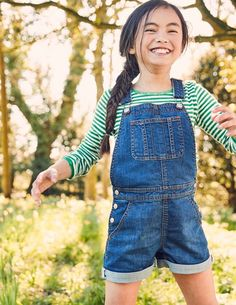 Discover our standout range of girls' dresses at Boden. Denim Dungaree Shorts, Denim Overalls, Outfits Niños, Kids Outfits, Cute Girl Dresses, Plain Tees, Baby Kids Clothes, Beach Girls, Short Girls