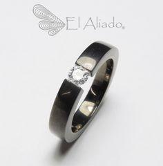 https://flic.kr/p/A5h3wm | 906. Anillo de compromiso lover, en oro con rodio negro y diamante de 20 puntos. | www.elaliadojoyas.com info@elaliadojoyas.com Cel. 3203066543 - 3105753129 - 3002859190 Bogotá - Colombia