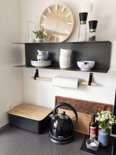 køkkenrulleholder Nordic Living, Interior Design Inspiration, Home Kitchens, Diy Furniture, Kitchen Decor, Living Spaces, Sweet Home, New Homes, Room Decor