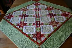 Pretty border ~ Christmas Quilt-Midnight Star ~ by Sewing Wild Oats. Longarm Quilting, Free Motion Quilting, Machine Quilting, Quilting Projects, Quilting Designs, Crazy Quilting, Quilting Ideas, Sampler Quilts, Star Quilts