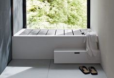Unico bathtub with top cover - Designer Built in bath tubs by Rexa Design ✓ Comprehensive product & design information ✓ Catalogs ➜ Get inspired now Bath Shower Combination, Bathtub Shower Combo, Sunken Bathtub, Built In Bathtub, Bathtub Cover, Japanese Bath, Shower Remodel, Tiny House Design, Architecture