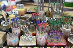 staphorster stipwerk - Google zoeken Dot Painting Tools, Rock Painting Patterns, Dot Art Painting, Mandala Painting, Stone Painting, Diy Painting, Gelli Plate Printing, Mandala Dots, Rock Crafts