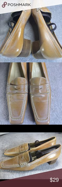 eaa08853564 Rivoli Italian loafers Here is a lovely quality women s Italian loafers  Size US size Shoes are in excellent shape The leather is a tan with a  trendy white ...
