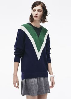 Crew neck sweater in wool and cashmere with V designs
