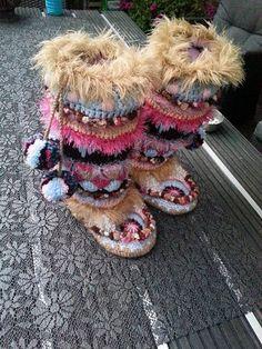 Funky Mukluks laarzen van PattyLaBell op Etsy