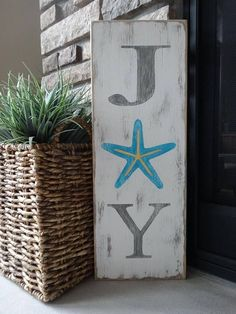 Items similar to JOY sign. Hand painted Christmas sign/ Coastal Christmas/ Beachy Christmas sign/ Starfish Christmas sign/ Tropical Christmas decor on Etsy Tropical Christmas Decorations, Coastal Christmas Decor, Nautical Christmas, Christmas Bedroom, Tropical Decor, Christmas Signs, Coastal Decor, White Christmas, Christmas Crafts