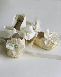 Ivory Brocade Toddler Flower Girl Shoe Flower Girl by BabySouls Toddler  Flower Girl Shoes 3c3473b02