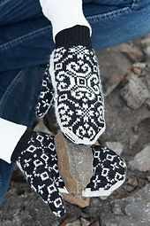 Ravelry: Crystallized Fliptop Mittens pattern by Kerin Dimeler-Laurence