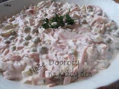 BÁJEČNÝ POCHOUTKOVÝ SALÁT NA CHLEBÍČKY NEBO JEN TAK... Yummy Treats, Yummy Food, Tasty, Czech Recipes, Ethnic Recipes, Salad Dressing, Potato Salad, Food And Drink, Meals