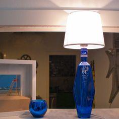 Lámpara decorativa con material reutilizado: vodka