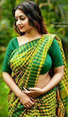 Beautiful Girl Indian, Most Beautiful Indian Actress, Beauty Full Girl, Beauty Women, Indian Girls Images, Saree Models, Indian Beauty Saree, India Beauty, Hottest Models