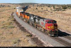 RailPictures.Net Photo: 777 BNSF Railway GE C44-9W (Dash 9-44CW) at Crookton, Arizona by Mojavesubmp347.0