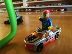 Hot Wheels y Lego.